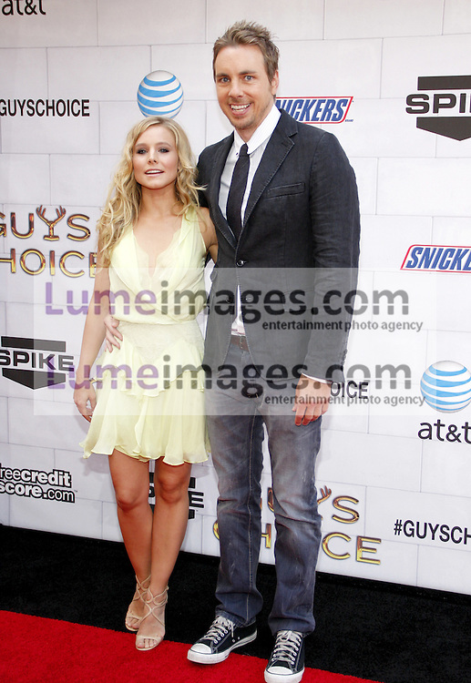 Kristen Bell and Dax Shepard at the 2012 Spike TV's Guys Choice Awards held at the Sony Studios in Culver City on June 2, 2012. Credit: Lumeimages.com