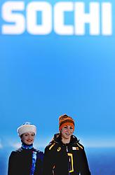 12-02-2014 SCHAATSEN: OLYMPIC GAMES HULDIGING: SOTSJI<br /> Margot Boer krijgt de bronzen medaille <br /> ©2014-FotoHoogendoorn.nl