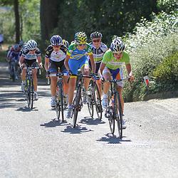 Brainwash Ladiestour Bunde-Berg en Terblijt beklimming Kruishoeveweg Marianne Vos voert de forcing