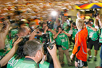 Photo: Glyn Thomas.<br />Germany v Portugal. Third Place Playoff, FIFA World Cup 2006. 08/07/2006.<br /> Germany's Oliver Kahn (R) waves to the fans.