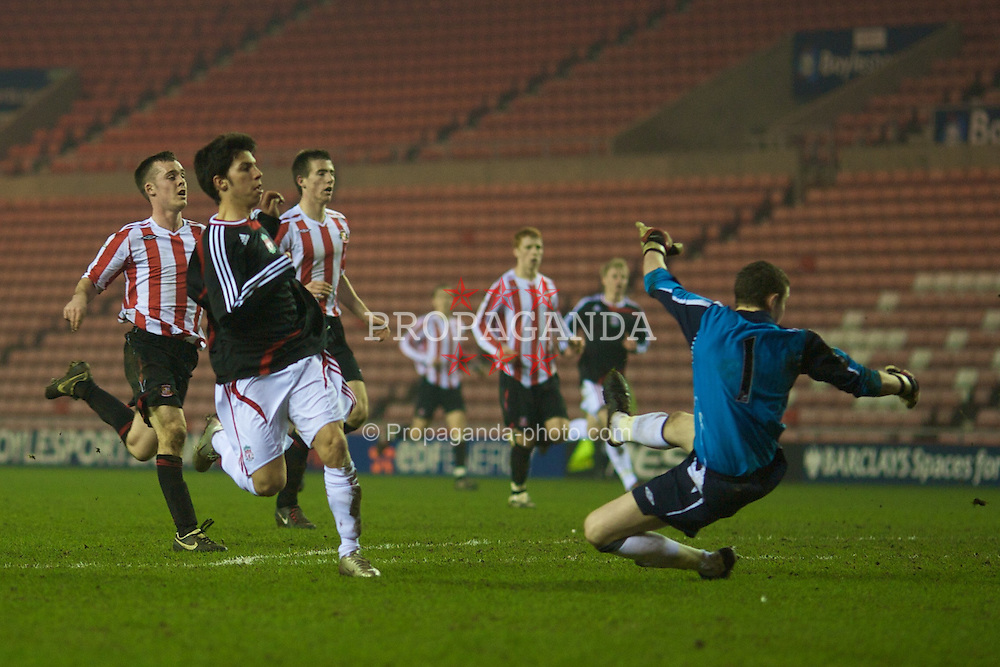 SUNDERLAND, ENGLAND - Wednesday, February 13, 2008: Liverpool's Daniel Pacheco scores the third goal against Sunderland to equalise at 3-3 during the FA Youth Cup 5th Round match at the Stadium of Light. (Photo by David Rawcliffe/Propaganda)
