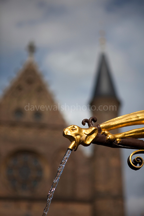 The neogothic fountain at the Binnenhof, a gift from the citizens of Den Haag, following the restoration of the complex in 1885. Designed by Pierre Cuypers.