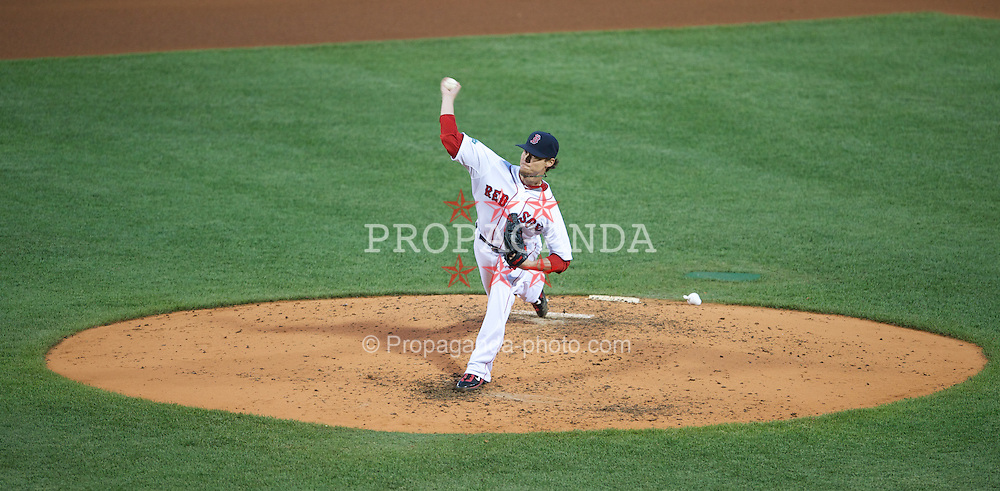 BOSTON, MA - Thursday, July 19, 2012: Boston Red Sox' Clay Buchholz pitches against the Chicago White Sox at Fenway Park. (Pic by David Rawcliffe/Propaganda)