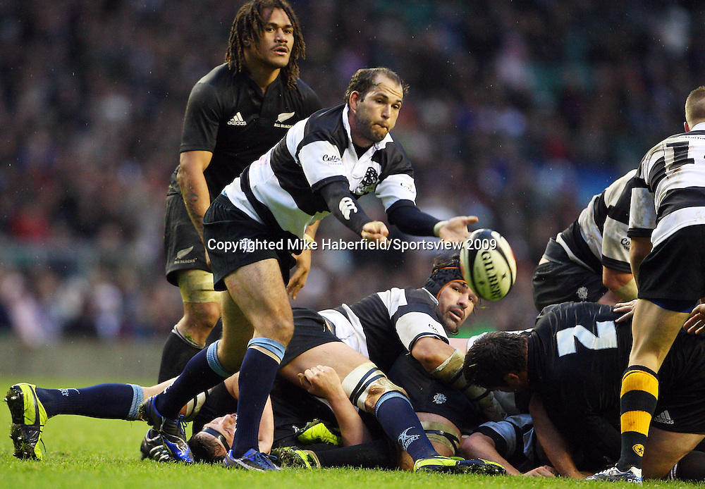 c MIKE HABERFIELD 2009 -   Baa Baas scrum half Fourie du Preez gets his pass away from a ruck  -  Barbarians v New Zealand,  5 December 2009 - at Twickenham- Paid use only - No syndication without agreement - Tel: 07768 566933 - Please credit: Mike Haberfield/Sportsview