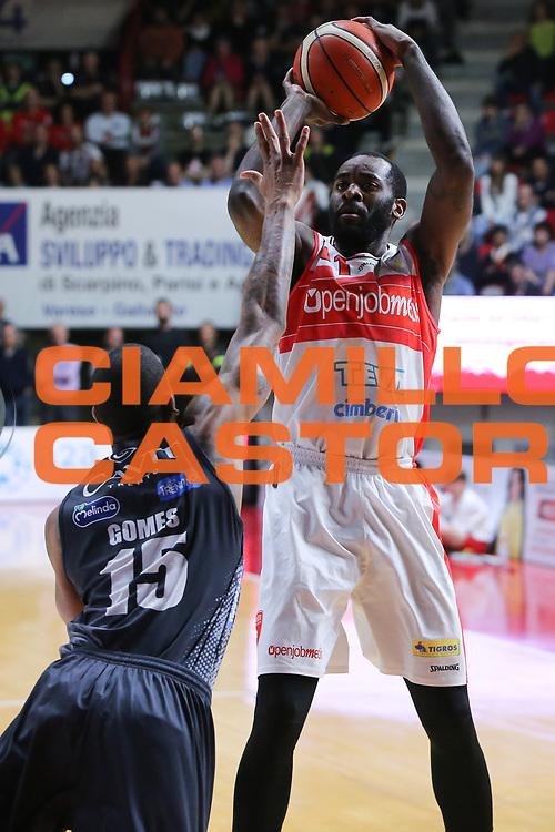 eyenga<br /> Openjobmetis Varese - Dolomiti Energia Aquila Basket Trento<br /> Lega Basket Serie A 2016/2017<br /> Varese, 15/04/2017<br /> Foto Ciamillo-Castoria