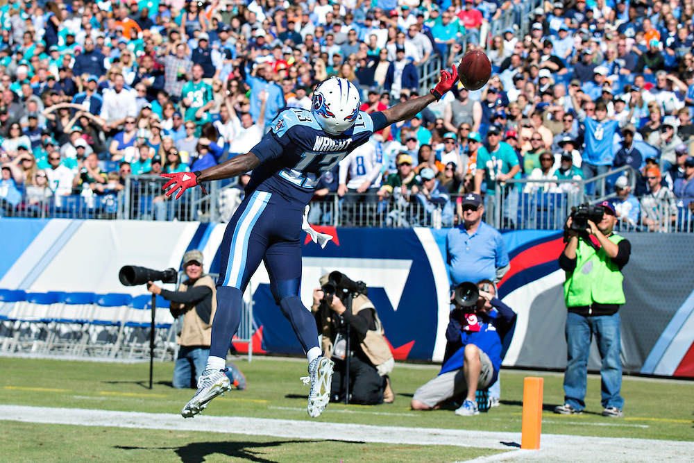 NASHVILLE, TN - OCTOBER 18:  Kendall Wright #13 of the Tennessee Titans reaches out for a pass in the end zone during a game against the Miami Dolphins at LP Field on October 18, 2015 in Nashville, Tennessee.  The Dolphins defeated the Titans 38-10.  (Photo by Wesley Hitt/Getty Images) *** Local Caption *** Kendall Wright