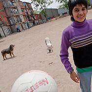 Goles y metas. Fútbol Femenino en Villa 31 The 'Aliadas de la 31' are a women's football team of a central slum in Buenos Aires, the Villa 31.