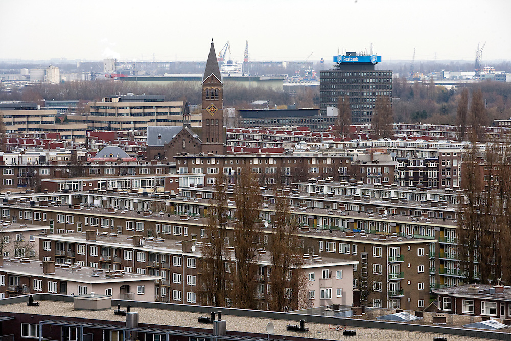 AMSTERDAM - NETHERLANDS - 06 MARCH 2008 -- New and old apartment blocks in Amsterdam.  Photo: Erik Luntang