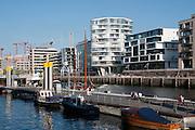 Sandtorhafen mit Apartmenthaeusern, Hafen City, Hamburg, Deutschland.|.harbour city, Hamburg, Germany.