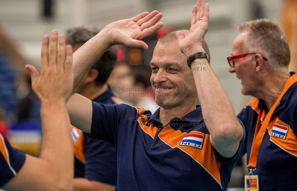 24-09-2016 NED: EK Kwalificatie Nederland - Wit Rusland, Koog aan de Zaan<br /> Nederland wint na een 2-0 achterstand in sets met 3-2 / Rob Vesters