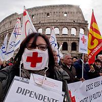 Manifestazione contro la privatizzazione della CRI