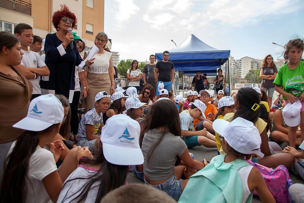 Valeria Fedeli, ministro della Pubblica Istruzione, in via D'Amelio a Palermo in occasione del 25° anniversario dell'uccisione di Paolo Borsellino e della sua scorta.