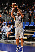 DESCRIZIONE : Cantu' Lega A 2009-10 Amichevole NGC Medical Cantu' SAV BasketVacallo<br /> GIOCATORE : Nicolas Mazzarino<br /> SQUADRA : NGC Medical Cantu'<br /> EVENTO : Campionato Lega A 2009-2010<br /> GARA : NGC Medical Cantu' SAV Basket Vacallo<br /> DATA : 05/09/2009<br /> CATEGORIA : Tiro Three Points<br /> SPORT : Pallacanestro <br /> AUTORE : Agenzia Ciamillo-Castoria/D.Pescosolido