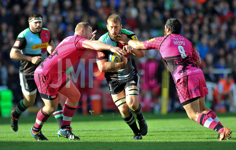 Chris Robshaw of Harlequins goes on the attack - Photo mandatory by-line: Patrick Khachfe/JMP - Mobile: 07966 386802 04/10/2014 - SPORT - RUGBY UNION - London - The Twickenham Stoop - Harlequins v London Welsh - Aviva Premiership