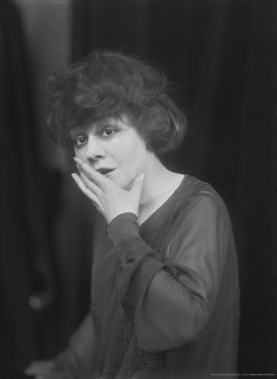 Pauline Lord, actress, 1924