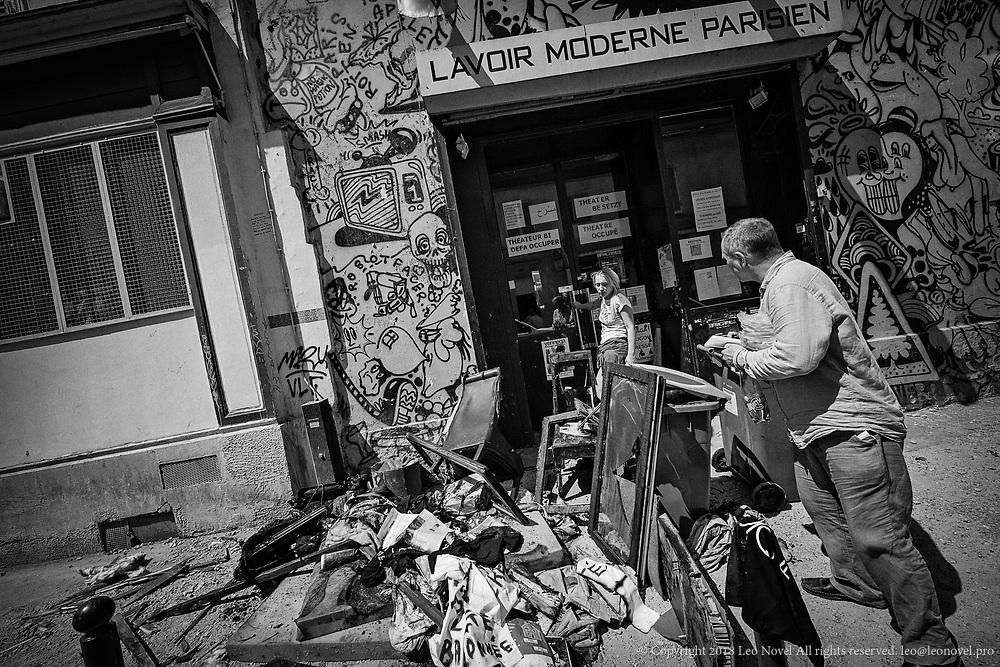 Following a fire in Femen headquarters, Inna a Russian journalist's questions.
