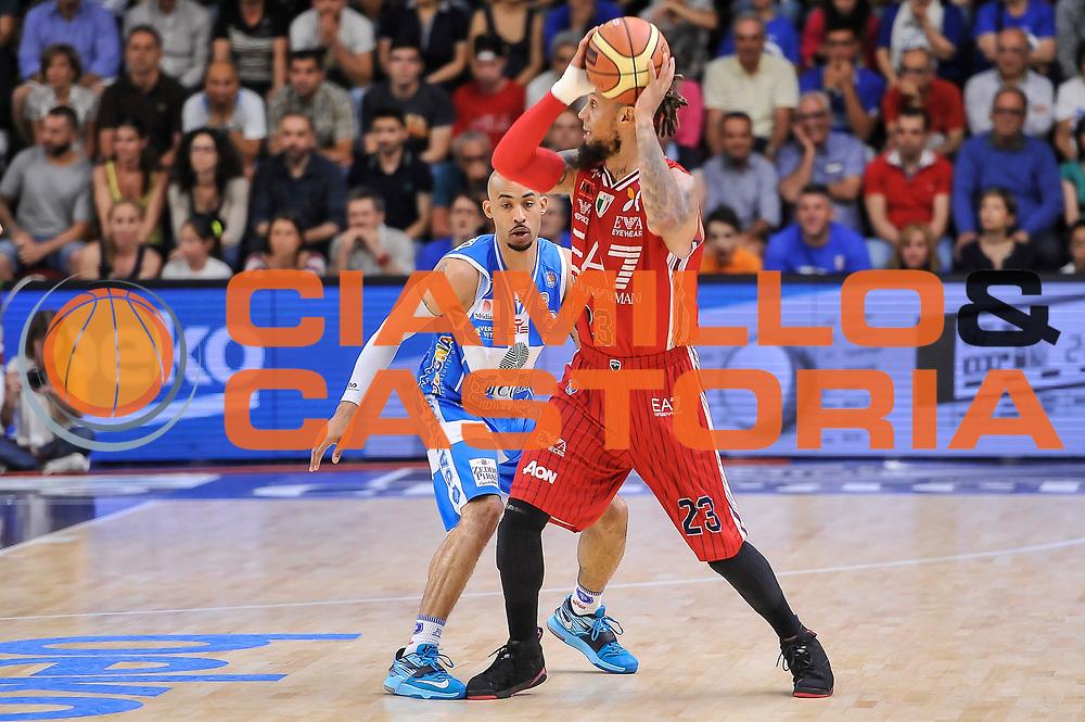 DESCRIZIONE : Campionato 2014/15 Dinamo Banco di Sardegna Sassari - Olimpia EA7 Emporio Armani Milano Playoff Semifinale Gara3<br /> GIOCATORE : Daniel Hackett<br /> CATEGORIA : Passaggio Controcampo<br /> SQUADRA : Olimpia EA7 Emporio Armani Milano<br /> EVENTO : LegaBasket Serie A Beko 2014/2015 Playoff Semifinale Gara3<br /> GARA : Dinamo Banco di Sardegna Sassari - Olimpia EA7 Emporio Armani Milano Gara4<br /> DATA : 02/06/2015<br /> SPORT : Pallacanestro <br /> AUTORE : Agenzia Ciamillo-Castoria/L.Canu
