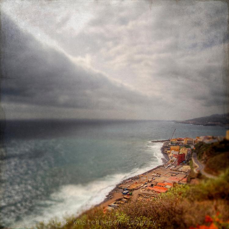 Cloud formation near the coast of La Palma/Canary Islands.