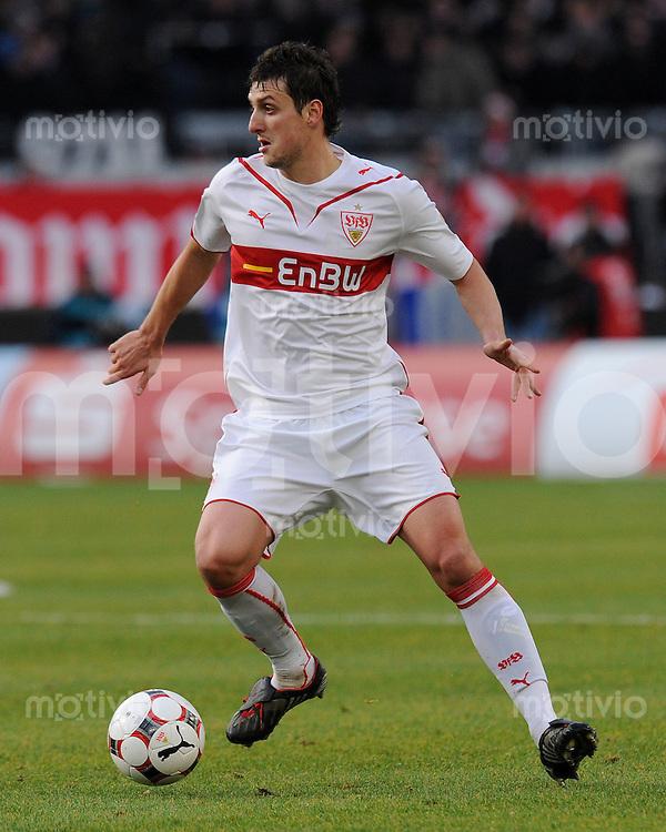 Fussball 1. Bundesliga :  Saison   2009/2010   15. Spieltag   05.12.2009 VfB Stuttgart - VfL Bochum  Zdravko Kuzmanovic (VfB) am Ball