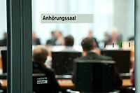 22 APR 2010, BERLIN/GERMANY:<br /> Tuer zum Anhoerungssaal waehrend einer Sitzung, Verteidigungsausschuss als 1. Untersuchungsausschuss, sog. Kunduz-Untersuchungsausschuss, Anhoerungssaal, Marie-Elisabeth-Lueders-Haus, Deutscher Bundestag<br /> IMAGE: 20100422-02-024<br /> KEYWORDS: Kunduz-Affäre, Kunduz-Affaere, U-Ausschuss, Afghanistan, Anhörungssaal, Schild, Schrift
