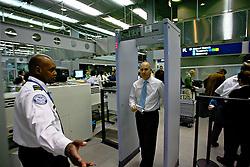 Sistema de segurança durante o desembarque no aeroporto internacional de O'Hare, em Chicago. FOTO: Jefferson Bernardes/Preview.com