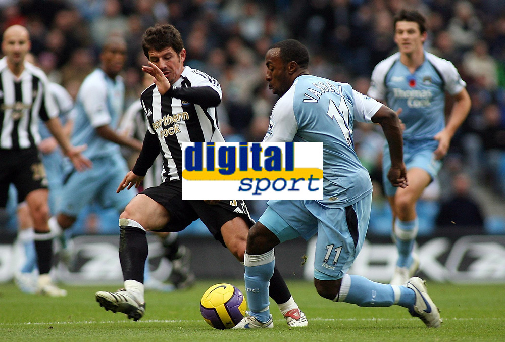 Photo: Paul Thomas.<br /> Manchester City v Newcastle United. The Barclays Premiership. 11/11/2006.<br /> <br /> Emre (L) of Newcastle and Darius Vassell.