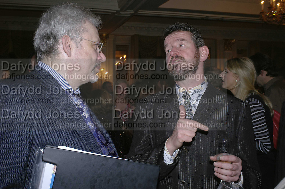 Simon Burt and Adam Mars-Jones, The Colman Getty Pen Quiz, Cafe Royal. London. 27 November 2006. ONE TIME USE ONLY - DO NOT ARCHIVE  © Copyright Photograph by Dafydd Jones 66 Stockwell Park Rd. London SW9 0DA Tel 020 7733 0108 www.dafjones.com