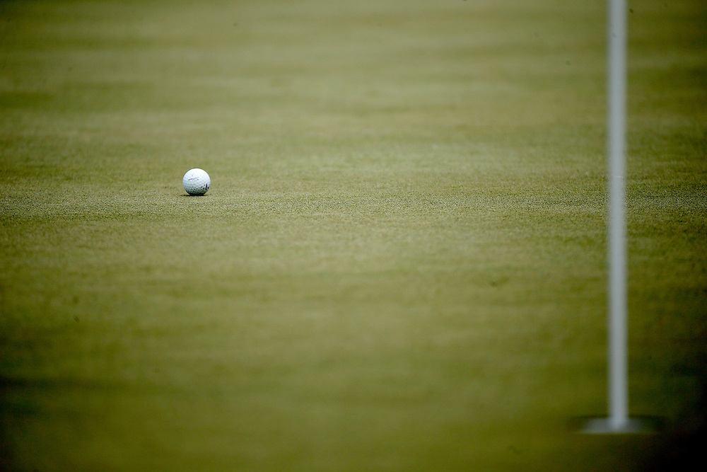 Jordan Spieth lies on the green on hole #1 during the second round of the Shell Houston Open golf tournament at the Golf Club of Houston on , Friday, April 1, 2016, in Humble, Texas.  (Photo: Thomas B. Shea/For the Chronicle)