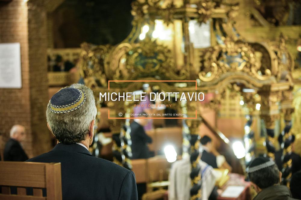 La sinagoga  nel quartiere multietnico di San Salvario è il principale luoo di culto della comunità ebraica di Torino       The synagogue in the multicultural district of San Salvario is the main luoo of worship of the Jewish community of Turin