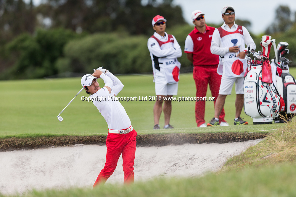 Roy Ishikawa (JAP) plays out of the bunker during the round 1 of the World Cup of Golf at Kingston Heath Golf Club, Melbourne Australia. Thursday 24th November 2016. Copyright Photo Brendon Ratnayake / www.photosport.nz