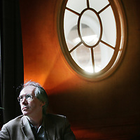 Nederland.Amsterdam.13 februari 2007..De Engelse schrijver Ian Mc Ewan van o.a. de roman Zaterdag ..British author Ian Mc Ewan.