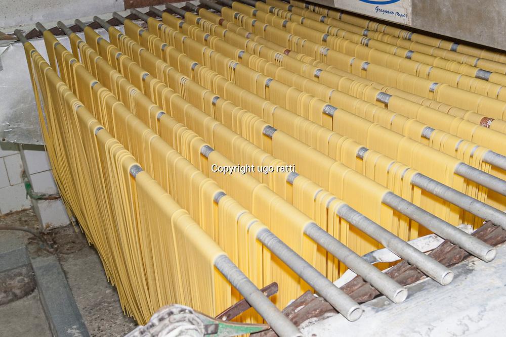 italy, napoli, Gragnano, production of the famous bronze-cut pasta