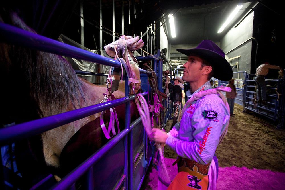 Bobby Mote, 2009 Wrangler National Finals Rodeo, round 8. Thursday, December 10, 2009. Th eThomas & Mack Center, Las Vegas, Nevada. Photograph ©2009 Darren Carroll