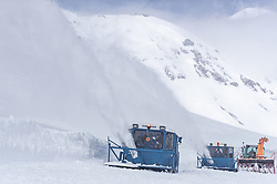 08.05.2019, Hochtor, Fusch, AUT, Schneeraeumung auf der Grossglockner Hochalpenstrasse, im Bild Wallack Rotations Schneefräsen beim Schneeräumen // Wallack snow ploughs during the yearly snow removal of the Grossglockner High Alpine Road before the Season Opening at the Hochtor in Fusch, Austria on 2019/05/08. EXPA Pictures © 2019, PhotoCredit: EXPA/ JFK
