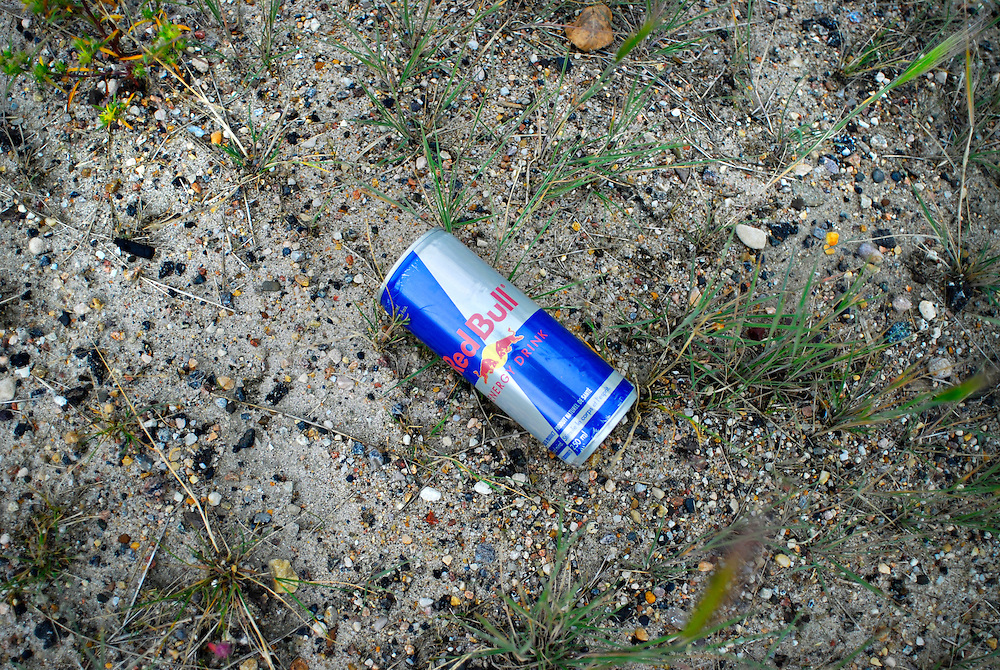 Landfills give a cross-section of what society perceives as useless.<br /> But what about items carelessly left discarded on street corners and along roadways?<br /> In Fort McMurray, Canada's boomtown, the fast-paced road to success is littered with dreams, ghosts and the evidence that boomtown can not boom forever.