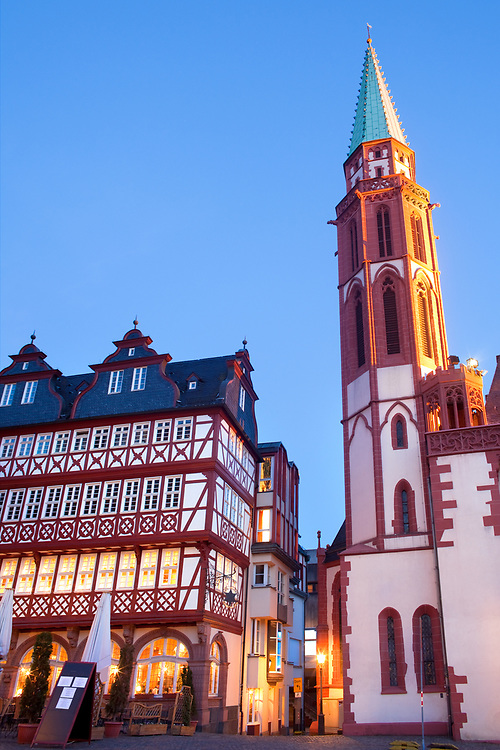 Restaurant and Old Nikolai Church at Romerberg square, the old town center, Frankfurt, Hesse, Germany