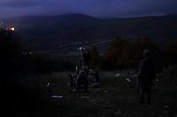 Impact<br /> &quot;Toujours a l'affut, jamais ne renonce&quot;<br /> Cree par decret consulaire le 13 mai 1803 a Rochefort, le 3e Regiment d&rsquo;Artillerie de MArine est l&rsquo;un des plus vieux regiments de l&rsquo;armee de terre et l&rsquo;un des plus decores de l&rsquo;artillerie.<br /> Forts d&rsquo;un passe glorieux, les 800 bigors qui le composent maintiennent les traditions de rusticite et de faculte d&rsquo;adaptation qui caracterisent les Troupes de Marine. <br /> Soudes au sein d&rsquo;une brigade prestigieuse, les bigors du 3eme qui se distinguent par leur aptitude a faire face a toute situation avec rigueur et enthousiasme, servent aux quatre coins du monde.<br /> Ils mettent principalement en &oelig;uvre des canons CAESAR 155mm, des mortiers de 120mm, des postes de tirs MISTRAL ainsi que des canons de 20 mm.<br /> Engage dans la numerisation de l&rsquo;espace de bataille, le regiment est equipe du systeme d&rsquo;automatisation des tirs et des liaisons de d&rsquo;artillerie sol-sol (ATLAS)<br /> On appelle &ldquo;bigors&rdquo; les militaires servant dans les regiments d'artillerie de marine par opposition a &laquo;&nbsp;marsouin&nbsp;&raquo; qui designe l'infanterie de marine. (RIMA)