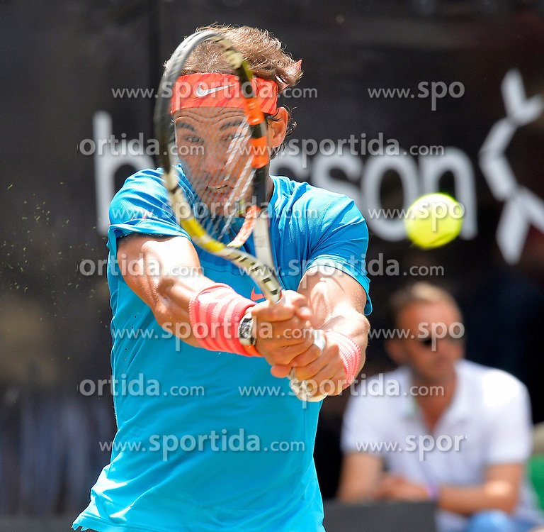 13.06.2015, Tennis Club Weissenhof, Stuttgart, GER, ATP Tour, Mercedes Cup Stuttgart, Halbfinale, im Bild Rafael Nadal (ESP) Aktion bewahrt den Durchblick // during the half finals of Mercedes Cup of ATP world Tour at the Tennis Club Weissenhof in Stuttgart, Germany on 2015/06/13. EXPA Pictures &copy; 2015, PhotoCredit: EXPA/ Eibner-Pressefoto/ Weber<br /> <br /> *****ATTENTION - OUT of GER*****