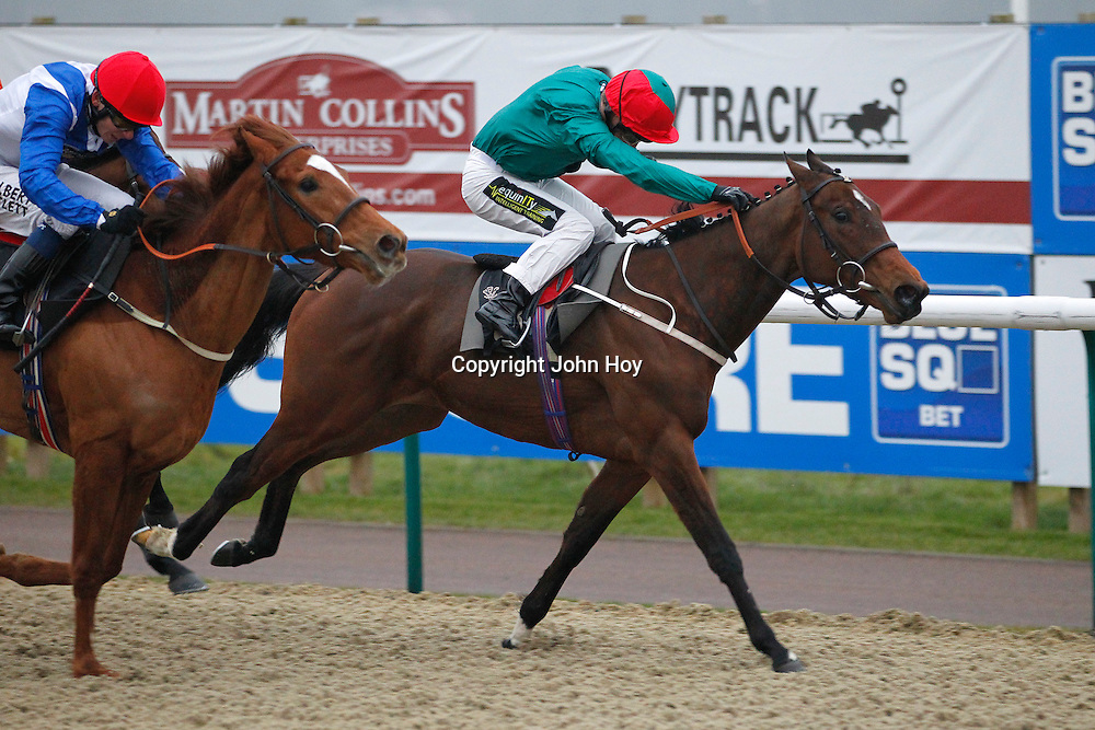 Nellie Bly and Joe Fanning winning the 4.40 race