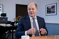 21 NOV 2018, BERLIN/GERMANY:<br /> Olaf Scholz, SPD, Bundesfinanzminister, waehrend einem Interview, in seinem Buero, Bundesministerium der Finanzen<br /> IMAGE: 20181121-01-007<br /> KEYWORDS: B&uuml;ro