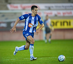 BLACKPOOL, ENGLAND - Wednesday, August 26, 2009: Wigan Athletic's Paul Scharner in action against Blackpool during the League Cup 2nd Round match at Bloomfield Road. (Photo by David Rawcliffe/Propaganda)