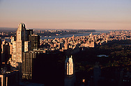 New York. elevated view on Manhattan midtown and central park at dusk   /  vue panoramique sur Manhattan midtown  d  New York  USa