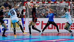 08-12-2019 JAP: Netherlands - Germany, Kumamoto<br /> First match Main Round Group1 at 24th IHF Women's Handball World Championship, Netherlands lost the first match against Germany with 23-25. / Tess Wester #33 of Netherlands