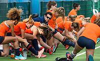 BRUSSEL -  Cooling down olv Matthew Eyles na de training Oranje ,  bij de halve finale ronde Hockey World League (dames) . COPYRIGHT KOEN SUYK