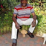 NLD/Huizen/20040707 - Delfland 7 Huizen Hendrik Vreden doet mee aan de Nijmeegse Vierdaagse