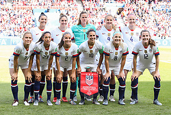 2019?6?17?.    ?????????——F??????????.    6?16??????????????.    ???????????2019??????????F??????????3?0??????.    ?????????..(SP)FRANCE-PARIS-SOCCER-FIFA WOMEN'S WORLD CUP-USA VS CHI.Players of the United States pose for group photos before a Group F match between the united States and Chile at the 2019 FIFA Women's World Cup in Paris, France, June 16, 2019. The United States won 3-0. (Credit Image: © Xinhua via ZUMA Wire)