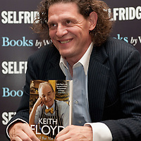 LONDON, ENGLAND - OCTOBER 06:  Chef Marco Pierre White signs copies of the late Keith Floyd's book 'Stirred but not shaken' at Selfridges on October 6, 2009 in London, England.  (Photo by Marco Secchi/Getty Images)