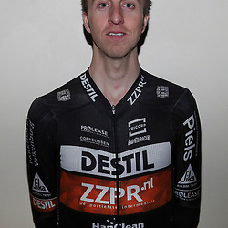 17-02-2017: Wielrennen: Teampresentatie Destil teams: Venray  <br /> Thijs van Amerongen
