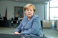 09 OCT 2017, BERLIN/GERMANY:<br /> Angela Merkel, CDU, Bundeskanzlerin, waehrend einem Interview, in ihrem Buero, Bundeskanzleramt<br /> IMAGE: 20171009-01-006<br /> KEYWORDS: B&uuml;ro
