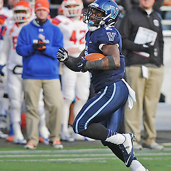 TOM KELLY IV &mdash; DAILY TIMES<br /> Villanova's Kevin Monangai (2) runs the ball, breaks free, and takes it in for a long touchdown in the second half during the Sam Houston State University at Villanova University NCAA FCS Division 1 - AA quarterfinal game at Villanova Stadium.